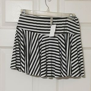 Emma& Sam blk/white stripe mini skirt.